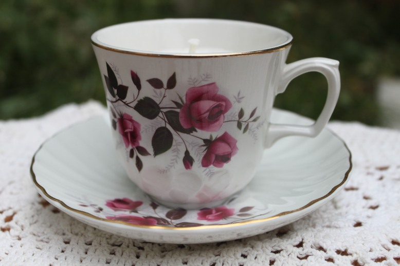 antique-teacup-candle-calm-flora-and-pomona