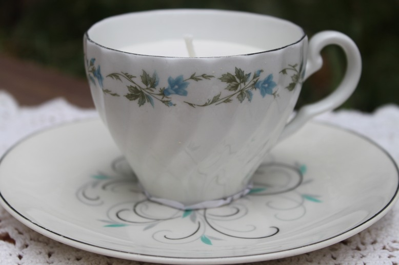 antique-teacup-candles-relax-flora-and-pomona-2
